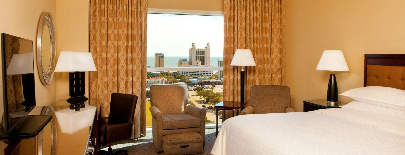 Club Floor Room | Sheraton Myrtle Beach Convention Center Hotel